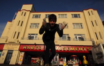 johnny-marr-easy_money-official-video.png